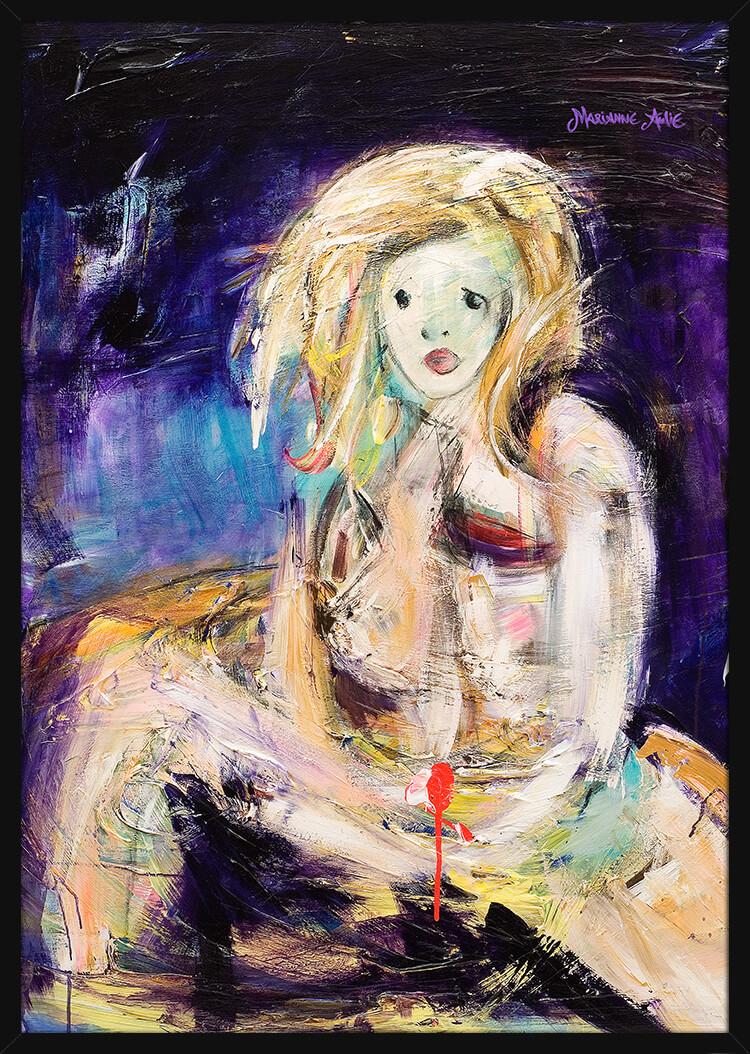 En kvinne malt med lyse og sterke farger, av kunstner Marianne Aulie. Poster i en svart ramme.