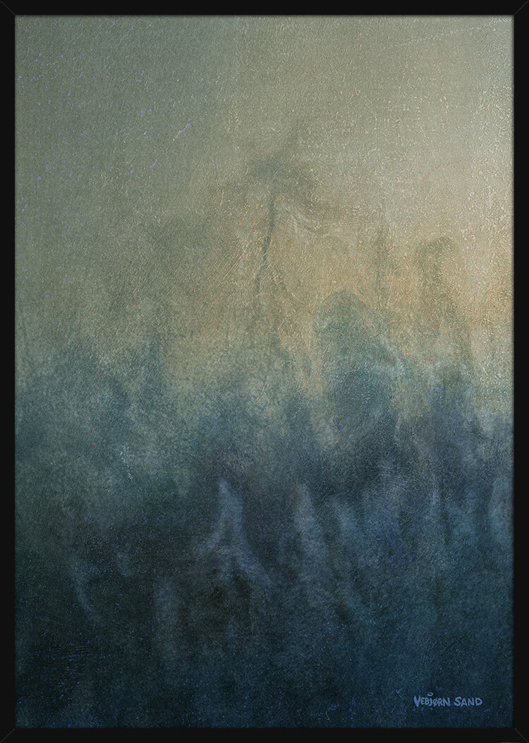 Tåkete skoglandskap, av kunstner Vebjørn Sand. Poster i en svart ramme.