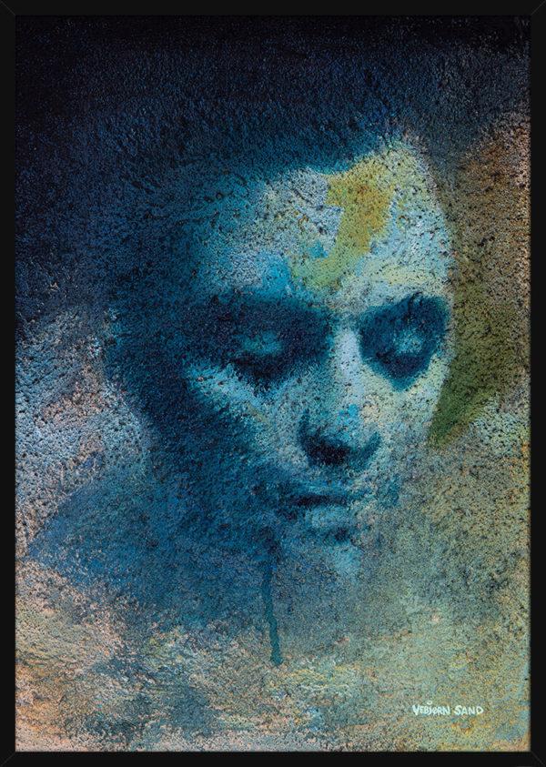 En studie av et blått mannshode, av kunstner Vebjørn Sand. Poster i en svart ramme.