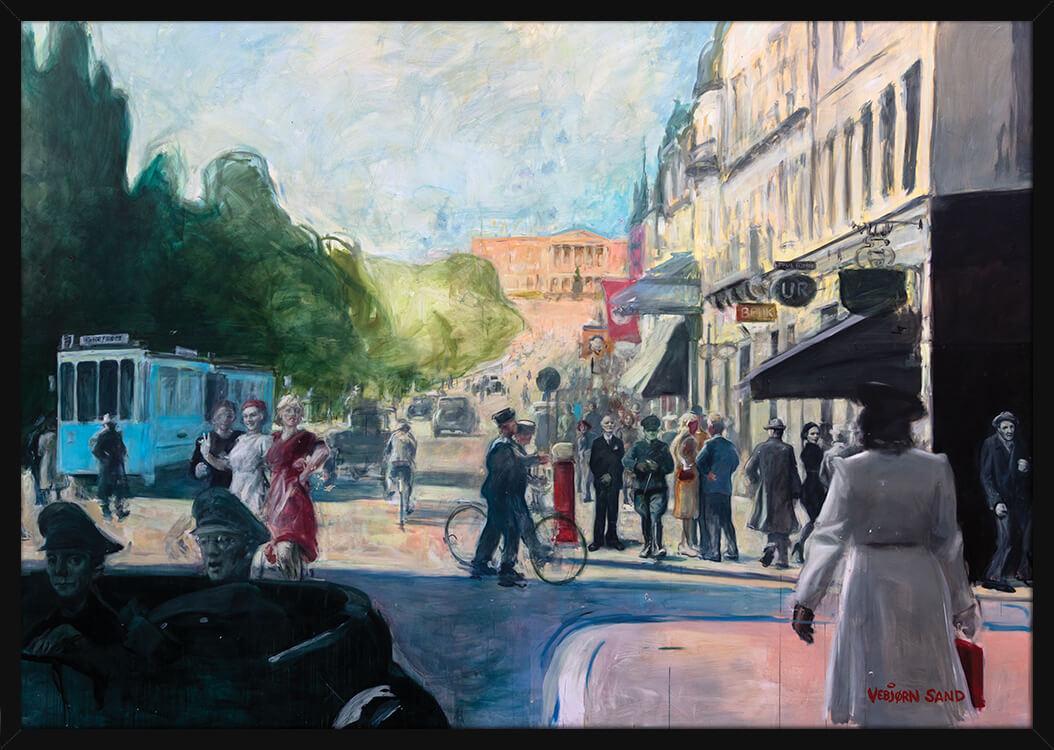 En sommerdag på Karl Johan gate under okkupasjonsmakten, av kunstner Vebjørn Sand. Poster i en svart ramme.