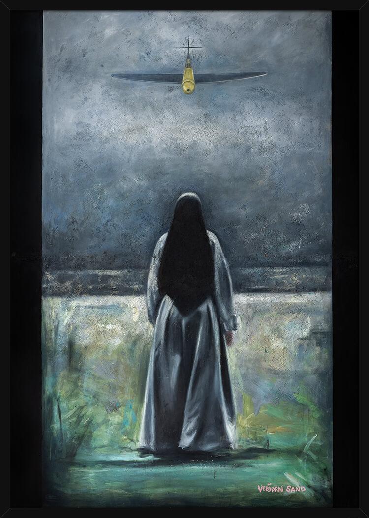 En nonne står opp imot et angrepsfly, av kunstner Vebjørn Sand. Poster i en svart ramme.