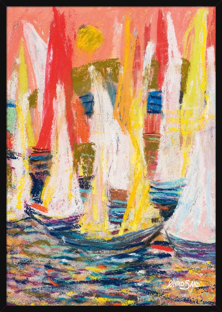 Pastellfarger av gult og rødt, seilbåter som flyter på sjøen, av kunstner Øivind Sand. Poster i en svart ramme.