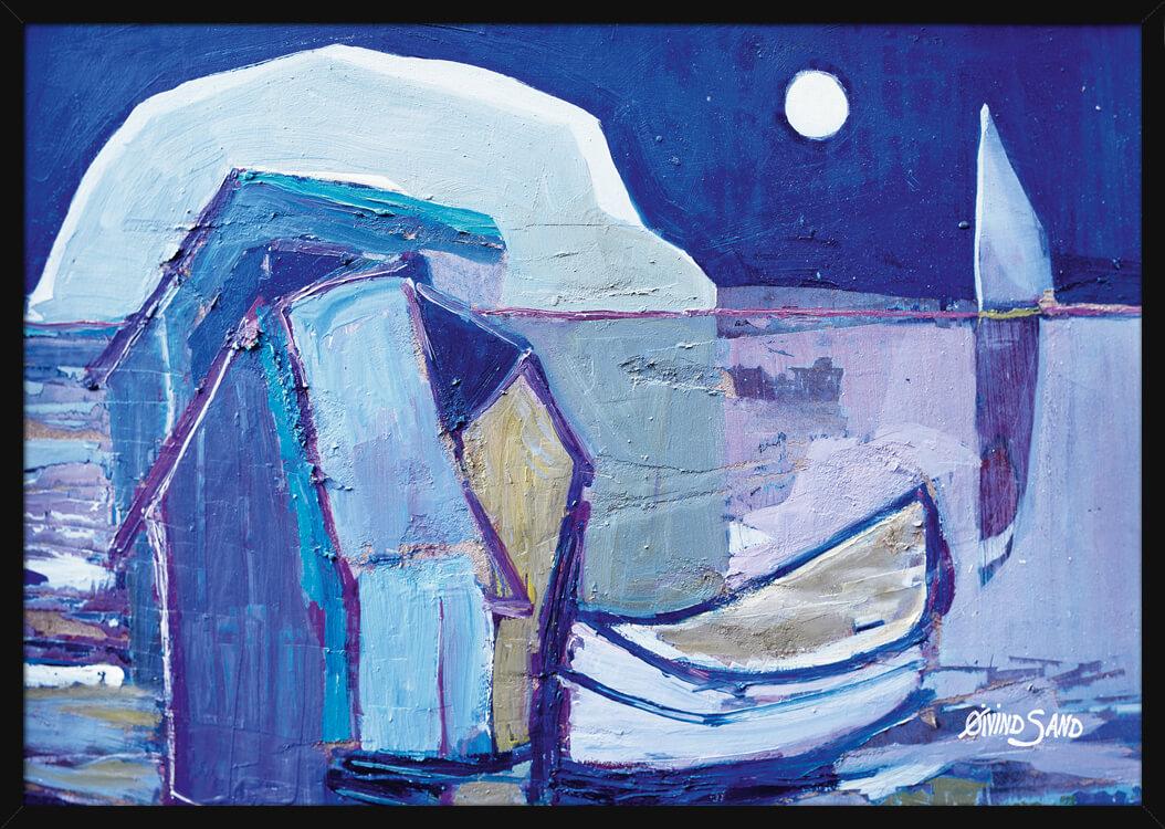 Seilbåter og sjøbu opplyst av månen, i et nattmaleri av kunstner Øivind Sand. Poster i en svart ramme.