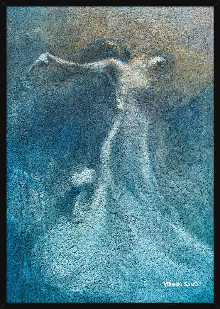 En kvinne danser, malt i en lyseblå farge av kunstner Vebjørn Sand. Poster i en hvit ramme.