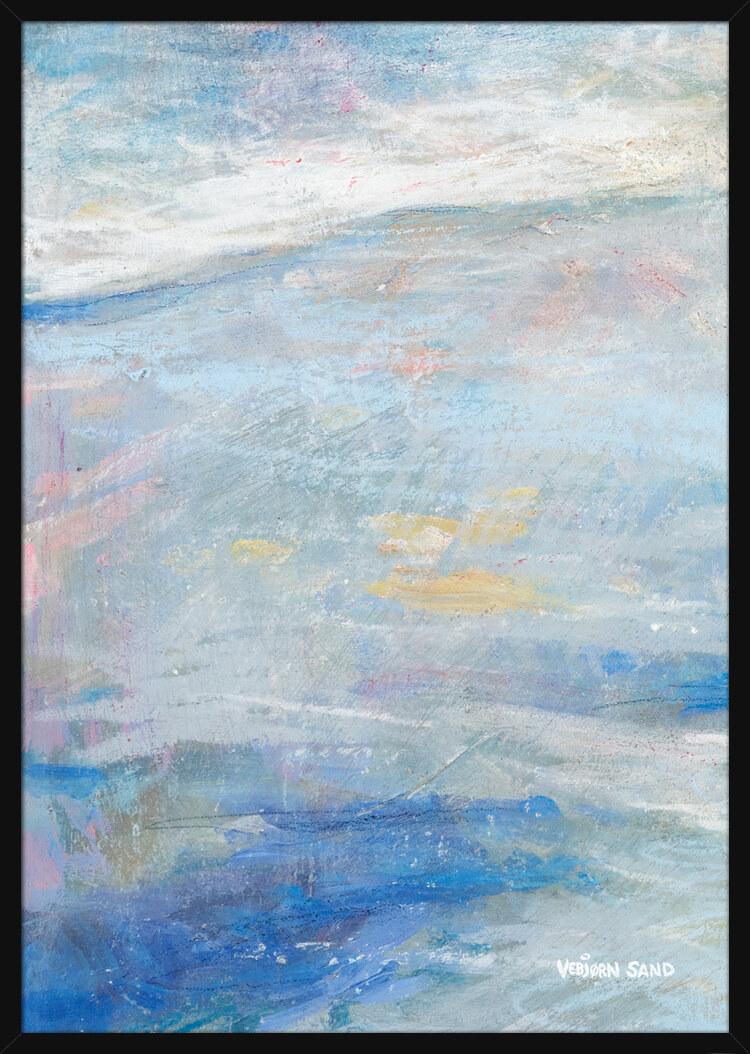 Hav og strand i pastellfarger, av kunstner Vebjørn Sand. Poster i en svart ramme.