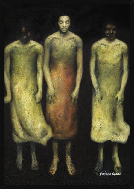 Tre flytende kvinner på svart bakgrunn, av kunstner Vebjørn Sand. Poster i en hvit ramme.